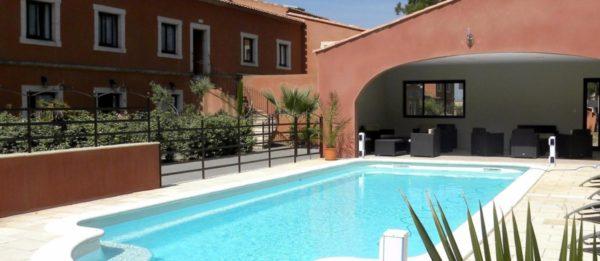 Espace piscine Hôtel du Mas***